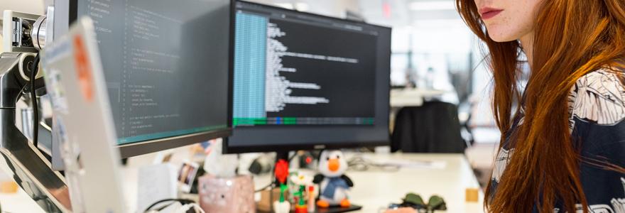 femme inscrite en bootcamp de data engineer